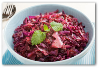sauerkraut made with German red cabbage