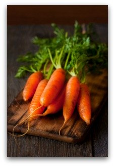 tips for growing straight, sweet carrots in the garden