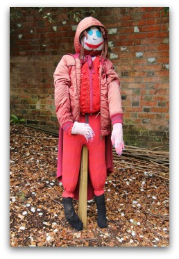cute scarecrow ideas for the garden
